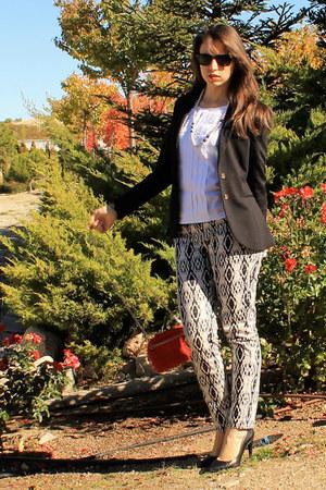 white Sfera blouse - black H&M blazer - red Zara bag - black Zara pumps