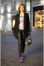 Black-accessorize-bag-black-uniqlo-pants-silver-reebok-sweatshirt