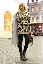 heather gray River Island boots - beige Elisabetta Franchi coat