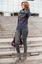 gray Zara jeans - heather gray River Island boots - heather gray Oysho scarf