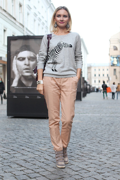 heather gray pull&bear sweatshirt - neutral Zara pants