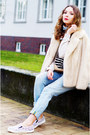 Light-blue-true-religion-jeans-eggshell-fur-vintage-jacket-gucci-purse
