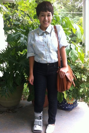 Forever 21 jeans - Mia shoes - floral thrifted shirt - Forever 21 necklace