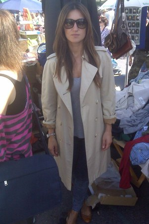 beige Burberrys coat - blue Forever21 jeans