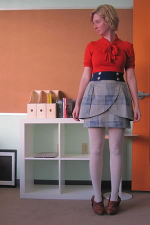 red thrifted shirt - gray Tulle skirt - blue thrifted belt - brown Irregular Cho