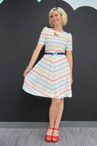 miz mooz wedges - vintage dress - modcloth belt