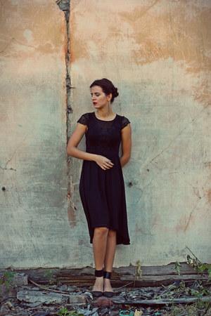 black asymmetrical iconic dress - black lace Nasty Gal bodysuit