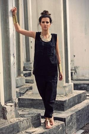 black jumpsuit JNBY bodysuit - gold cuff H&M bracelet