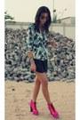 Bershka-shorts-jeffrey-campbell-boots-zara-blazer-ray-ban-sunglasses