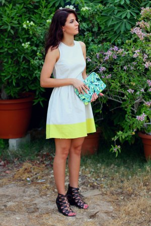 beige summer Gap dress - chartreuse floral print Gap bag