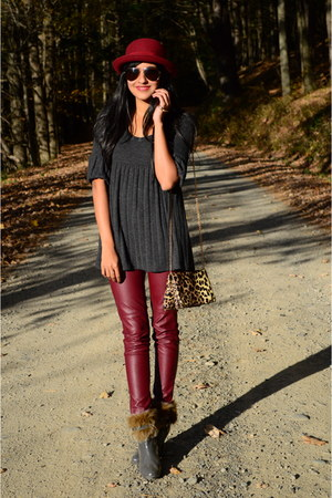 maroon faux leather H&M pants