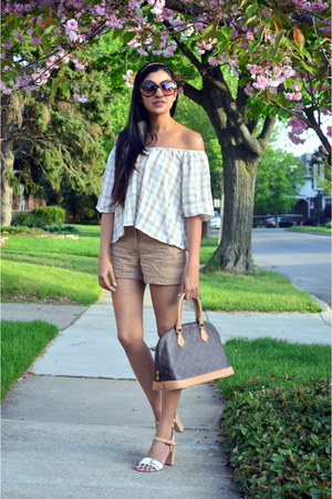 tan H&M shorts