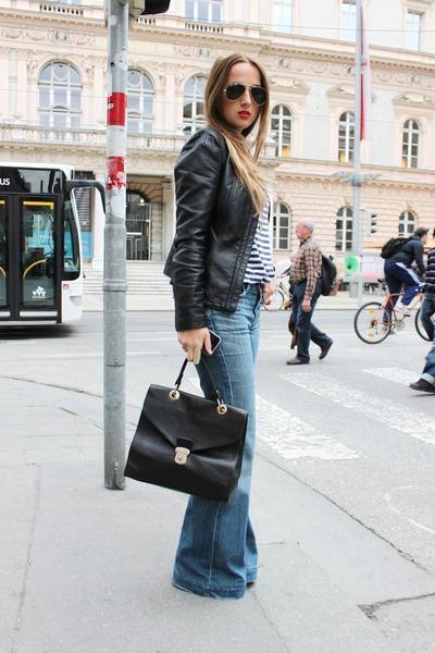 black leather American Eagle purse