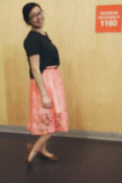 coral Topshop skirt - black Express bag - black crop top Forever 21 blouse