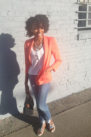 light orange boyfriend vintage blazer - blue Abercrombie jeans