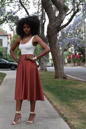 brick red H&M skirt - off white H&M bodysuit - gold H&M bracelet