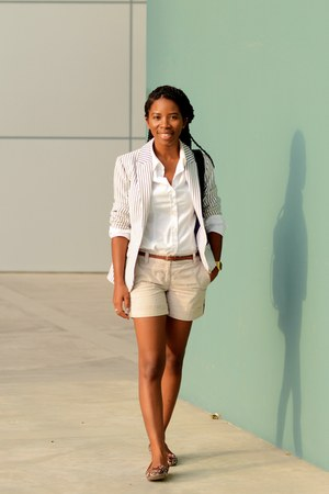 navy striped H&M blazer - black Topshop bag - beige ann taylor shorts