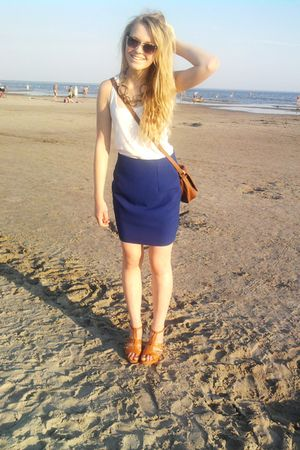 blue thrifted skirt - brown Marco Tozzi shoes - brown thrifted purse - white New