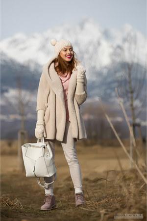 neutral Sheinside coat - pink Timberland boots - neutral Sheinside hat