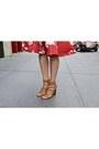 Black-second-hand-bag-bronze-michael-kors-sandals-black-h-m-bra