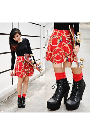 red skater skirt market market skirt - black long sleeves H&M sweater