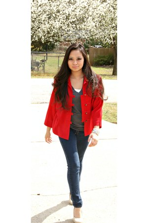 red jacket - skinny Guess jeans - charcoal gray v-neck Noellie shirt