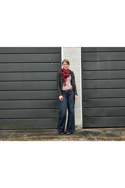 Nine West boots - Kenneth Cole jacket - Kersch shirt - 2nd Hand scarf