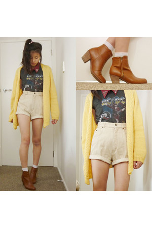 beige vintage shorts - burnt orange brown booties rubi boots