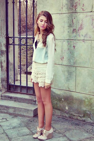 beige lace OASAP shorts