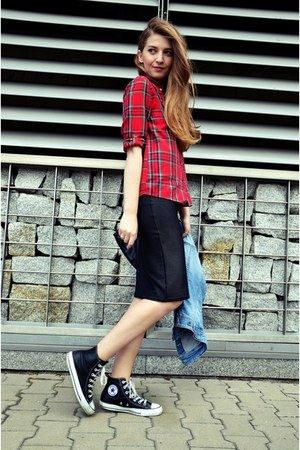 black new look skirt - Zara shirt - black Converse sneakers