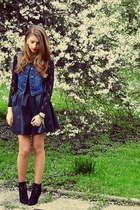 navy Primark vest - black H&M skirt - black Bik Bok top