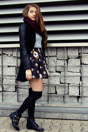 black Stradivarius boots - black Sheinside coat - maroon no name scarf