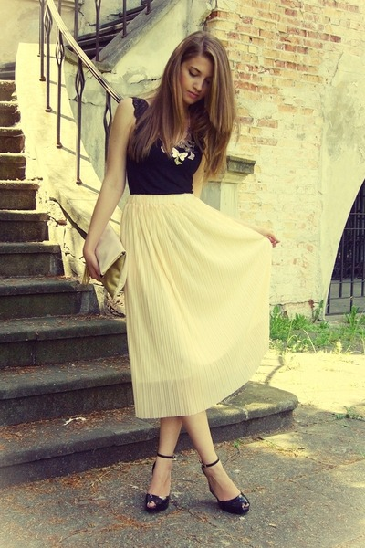 eggshell OASAP skirt - beige H&M bag - black Melissa wedges