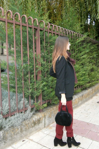 Zara boots - tintoretto blazer - Cortefiel scarf - Zara jumper - Zara pants