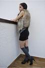 Gray-brandy-melville-top-black-h-m-skirt-gray-h-m-socks-brown-zara-shoes-