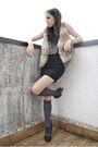 Black-h-m-skirt-gray-brandy-melville-top-beige-h-m-jacket-gold-h-m-acces
