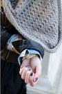 Silence-noise-jacket-wrangler-shirt-hooded-scarf-denada-scarf-american-a