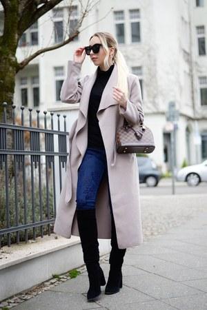 pink oversized NA-KD coat