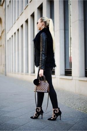 black Zara jacket - gray Monki jeans - black Mondelli vest