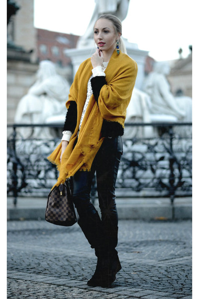 dark brown Louis Vuitton bag - Zara earrings