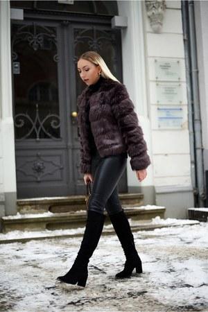 puce faux fur Juicy Couture jacket - black boots Zara boots