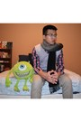 Hollister-shirt-forever-21-scarf-h-m-pants