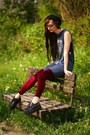 Black-boots-teal-dress-ruby-red-leggings