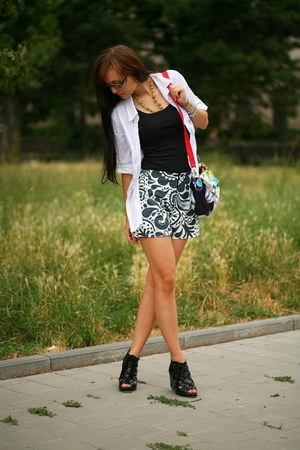 black t-shirt - white shirt - red bag - silver shorts - black heels