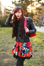 black Amisu jacket - ruby red Gate bag