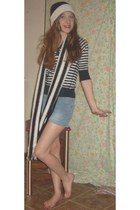 black and white scarf - black and white hat - blue jean shorts - top