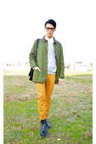 black sidegore Dr Martens boots - forest green green Barbour coat