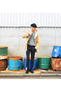 Black-boots-stefano-rossi-boots-mustard-uniqlo-coat-navy-vintage-hat