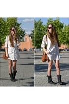 Bershka shirt - BLANCO boots - Primark bag