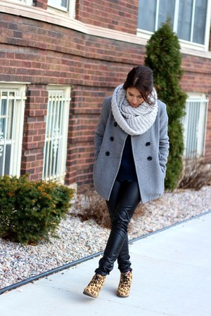 heather gray H&M scarf - charcoal gray wool calvin klein coat